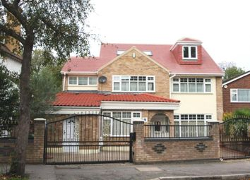 Thumbnail 6 bed property to rent in Grove Park, London