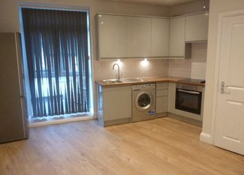 1 bed flat to rent in Rushey Green, Catford, London SE6