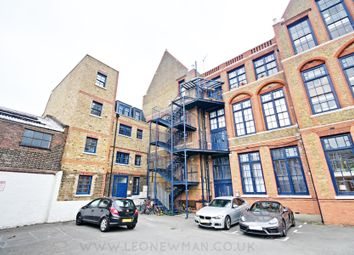 Thumbnail 2 bed flat to rent in Rutland Road, Hackney