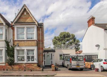 Ronald Park Avenue, Westcliff-On-Sea SS0. 4 bed semi-detached house