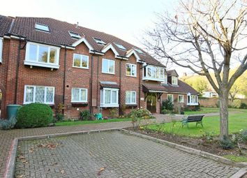 Thumbnail 2 bedroom flat to rent in Yewlands, Hoddesdon, Hertfordshire.