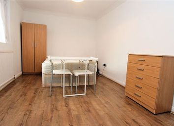 Thumbnail Studio to rent in Ruskin Road, London
