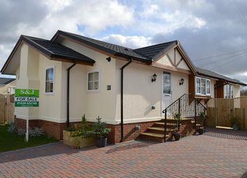 Thumbnail 2 bed mobile/park home for sale in Warren Park, Stoke Heath