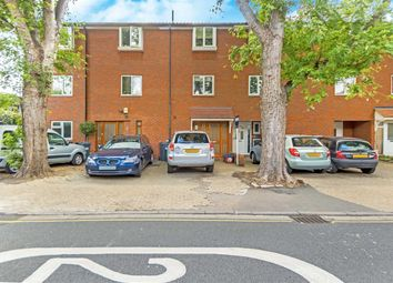 Thumbnail 4 bed flat to rent in Fishers Lane, London