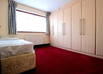 Thumbnail Room to rent in Bawdsey Avenue, Ilford