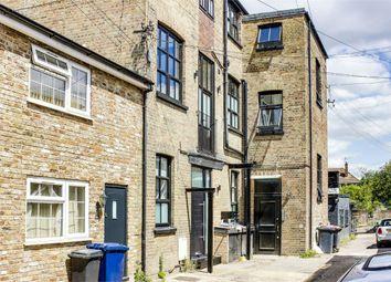 King Street Mews, London N2. Studio for sale