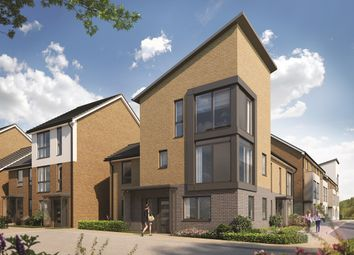Thumbnail 4 bedroom town house for sale in Drake Way, Kennet Island, Reading