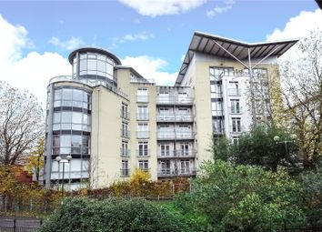2 bed flat to rent in The Meridian, Kenavon Drive, Reading, Berkshire RG1
