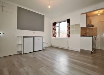 Thumbnail 1 bed flat to rent in Chandos Road, Willesden Green