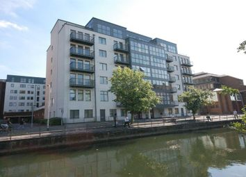 Thumbnail 2 bed flat to rent in Queens Wharf, Reading