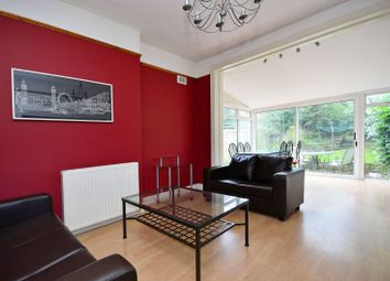 Thumbnail 2 bed flat to rent in Cavendish Avenue, Finchley