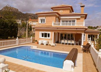 Thumbnail 5 bed chalet for sale in Calp, Alicante, Spain