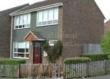 4 bed shared accommodation to rent in The Chantrys, Farnham, Surrey GU9