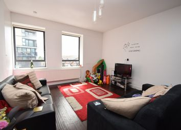 Thumbnail 3 bed flat to rent in Ballards Lane, North Finchley