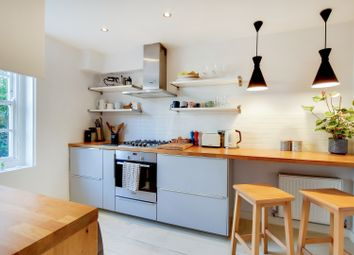2 bed maisonette for sale in Albion Avenue, London SW8