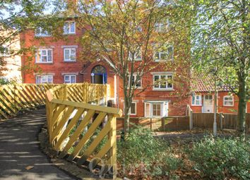 1 bed flat for sale in Lower Street, Laindon, Basildon SS15