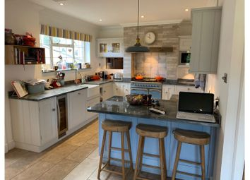 Thumbnail 5 bed detached house to rent in Upper Bridge Road, Redhill