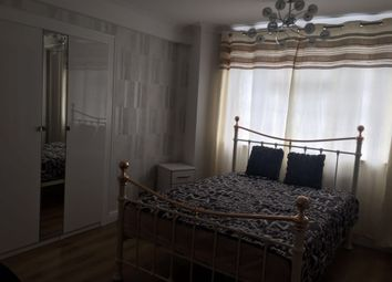 Thumbnail 3 bed flat to rent in St. John's Hill, London