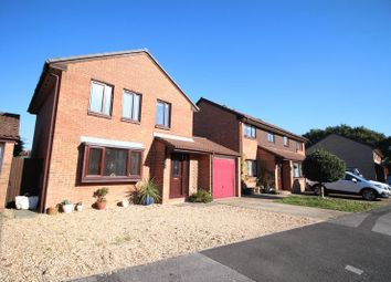 Thumbnail 4 bed detached house for sale in Pimpernel Close, Locks Heath, Southampton