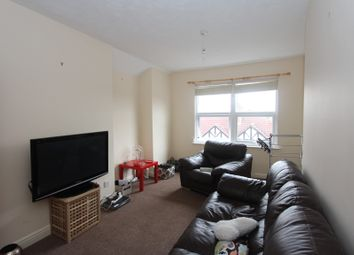 Thumbnail 1 bed flat to rent in Richmond Avenue, Leicester