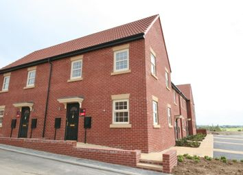Thumbnail 2 bed town house to rent in Kempston Road, Featherstone, Pontefract, West Yorkshire