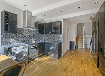 Thumbnail 3 bed flat to rent in Broadway Parade, Crouch End