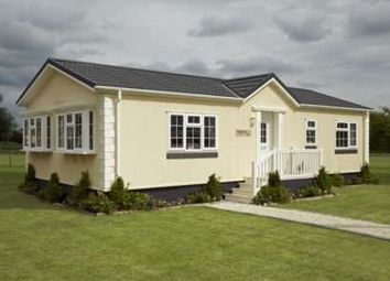 Thumbnail 2 bed mobile/park home for sale in Bayworth Park, Bayworth, Abingdon
