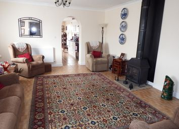 Thumbnail 2 bed detached bungalow to rent in Rosefield Way, Westbury