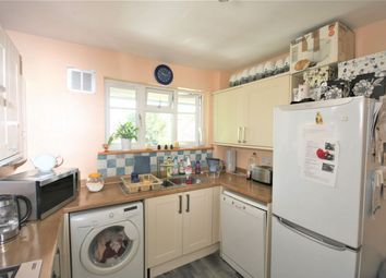 Thumbnail 3 bed flat to rent in The Woodlands, High Road, North Finchley