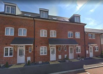 3 bed property to rent in Laurence Rise, Dartford DA2
