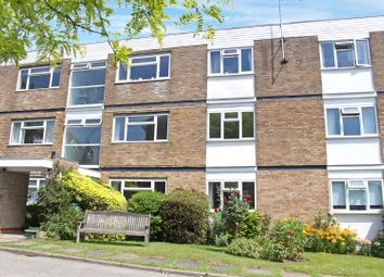 Thumbnail 2 bed flat to rent in Doctors Commons Road, Berkhamsted