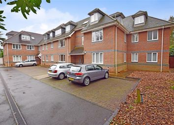 Thumbnail 2 bed flat to rent in Bassett Green Road, Southampton