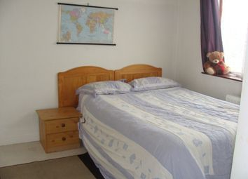 Thumbnail Room to rent in Old Oak Road, Acton
