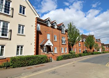 Thumbnail 1 bed flat to rent in Whinbush Road, Hitchin