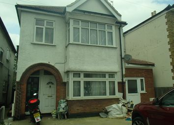 Thumbnail 3 bed detached house to rent in Brentwood Road, Romford