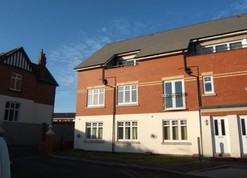 Thumbnail 3 bed flat to rent in Clovelly Road, Bideford