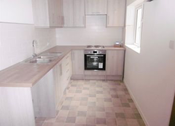 Thumbnail 2 bedroom flat to rent in Orchard Close, Sleaford
