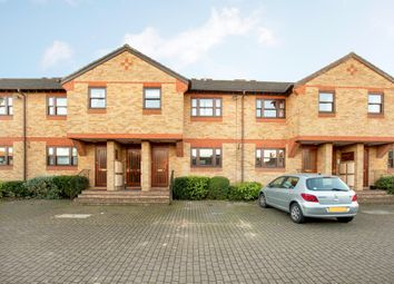 Thumbnail 2 bed flat to rent in Chiltern Court Mews, Fawcett Road, Windsor, Berkshire
