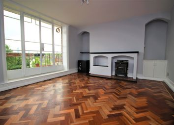 3 bed flat for sale in Turner Avenue, London N15