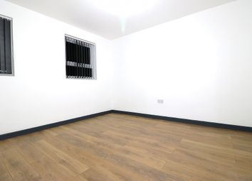 Green Lane, Ilford, Essex IG1. 1 bed flat