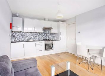 2 bed flat to rent in Fordwych Road, Cricklewood, London NW2