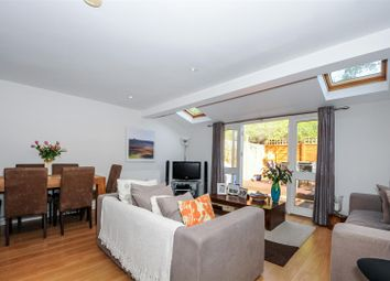Thumbnail 2 bed detached house to rent in Earlsfield Road, London