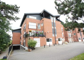 2 bed flat to rent in Lodge Road, Kingswood, Bristol BS15