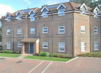 Thumbnail 2 bed flat for sale in Glebe House Drive, Hayes, Bromley