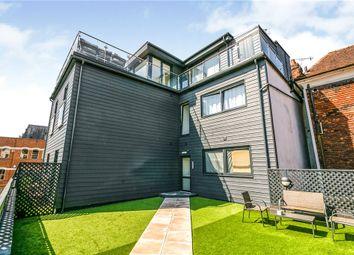 Thumbnail 1 bed flat to rent in Lyons Crescent, Tonbridge