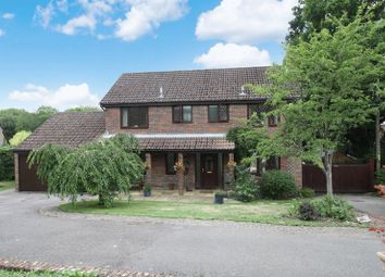 4 bed detached house for sale in Twynhams Hill, Shirrell Heath, Southampton SO32