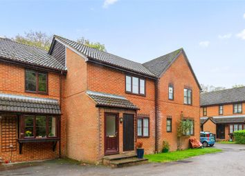 Thumbnail Flat for sale in Limeway Terrace, Dorking, Surrey