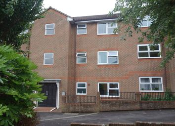 Thumbnail 1 bed flat to rent in Elms Road, Aldershot