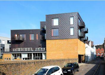 Thumbnail 1 bed flat to rent in Leeke Street, Clerkenwell, London