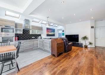 2 bed maisonette for sale in Davis Road, London W3